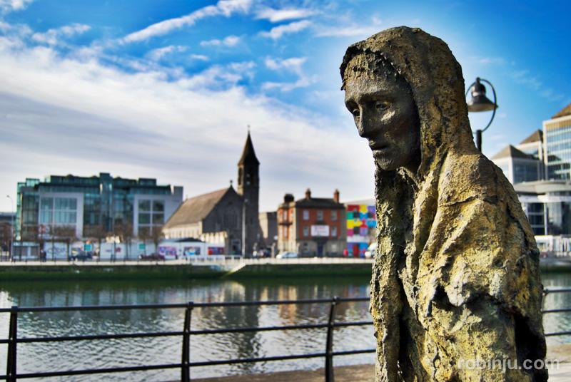 Famine figures (Figuras del Hambre), Dublin