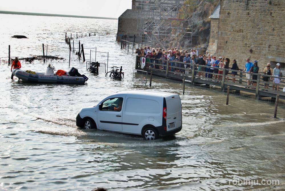 Y llega la marea en Mont St Michel