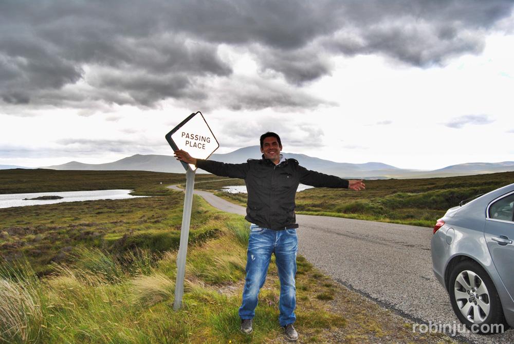 En coche por las Highland escocesas.