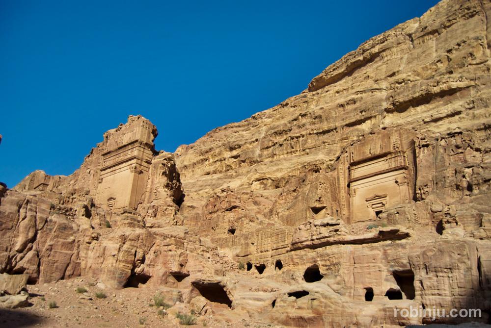 El Tesoro de Petra y otros lugares increibles.Tumbas reales.