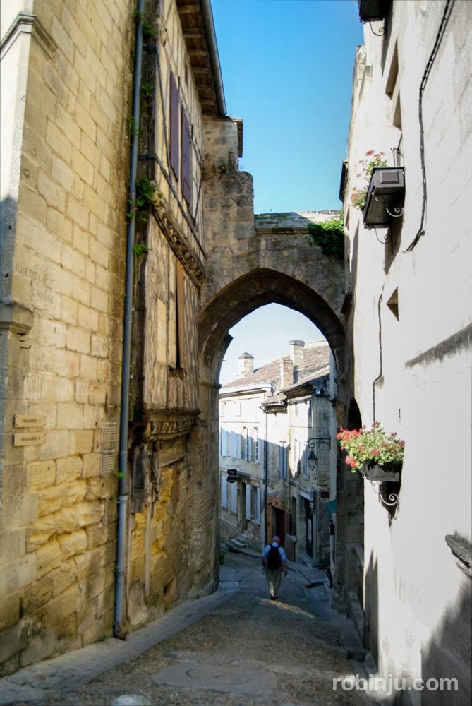 Saint Emilion, el pueblo perdido entre viñas en Burdeos