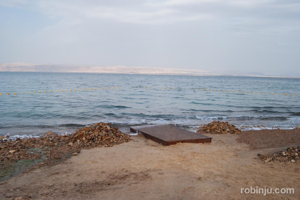 La increíble andanza de darte un baño en el Mar Muerto