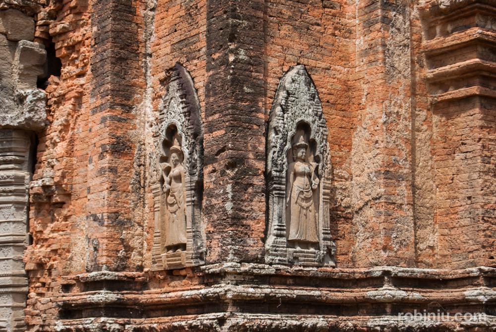 Lo Lei, el templo sobre un islote del Baray en Hariharalaya