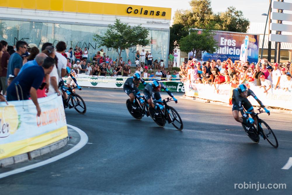 Paso por curva (Vuelta a España - Jerez de la Frontera)